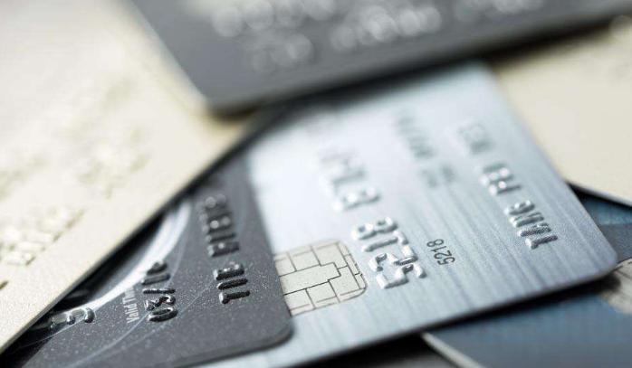 信用卡扣年费会发短信? 一个用烂的骗术!